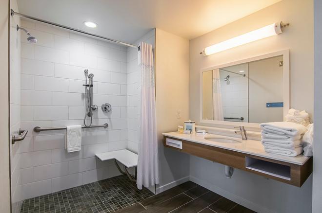 Hampton Inn & Suites-Dallas/Richardson,TX - Richardson - Μπάνιο
