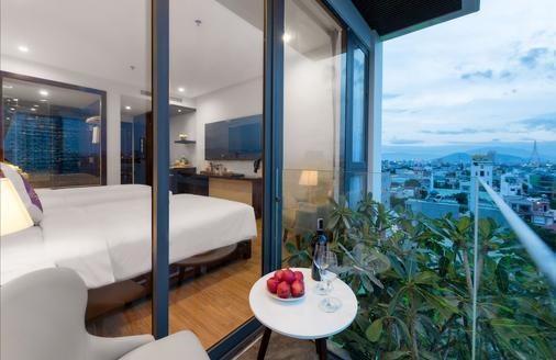 Aria Grand Hotel & Apartments - Da Nang - Balcony