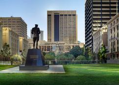 Sofitel Brisbane Central - Brisbane - Building