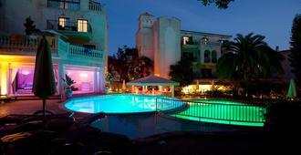 Lago Garden Apartsuites & Spa Hotel - Cala Ratjada - Gebäude