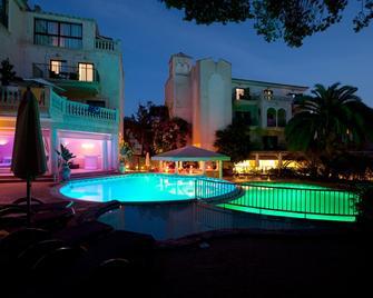 Lago Garden Apartsuites & Spa Hotel - Cala Rajada - Edificio