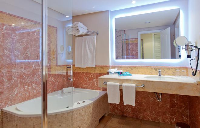 Lago Garden Apart-Suites & Spa Hotel - Cala Ratjada - Bathroom