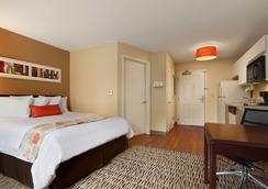 Hawthorn Suites by Wyndham Raleigh - Raleigh - Bedroom