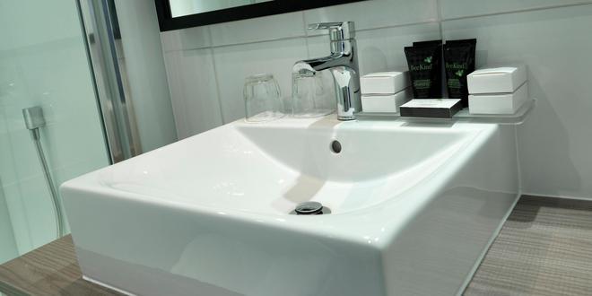 Crowne Plaza Stratford Upon Avon - Stratford-upon-Avon - Bathroom