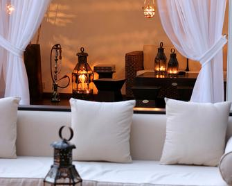 GrandResort - Limassol - Wohnzimmer