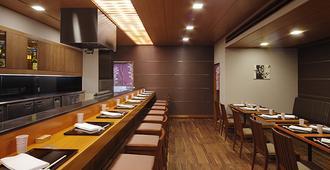 هوتل نيو هانكيو أوساكا - أوساكا - مطعم