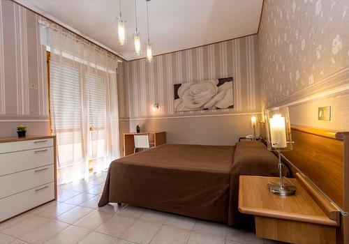 Quanto Costa Una Camera Da Letto Matrimoniale.Hotel A Cagliari Da 22 Notte Cerca Hotel Su Kayak