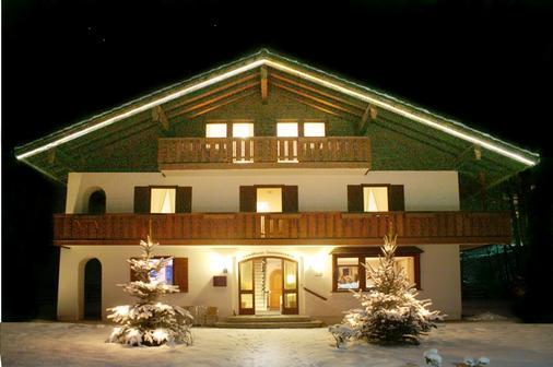 Hotel Garni Landhaus Sonnenstern - Schönau am Königsee - Building