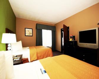 Quality Suites - Sulphur - Bedroom