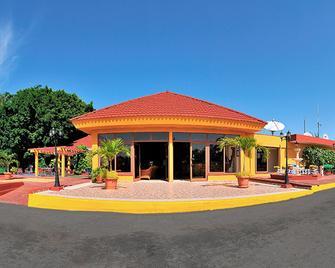 Cubanacan Las Cuevas - Трінідад - Building