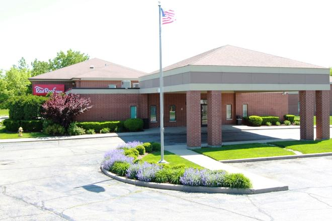 Red Roof Inn Gurnee - Waukegan - Waukegan - Building