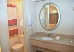 巴吞魯日紅屋頂酒店 - 巴頓魯治 - 巴吞魯日 - 浴室