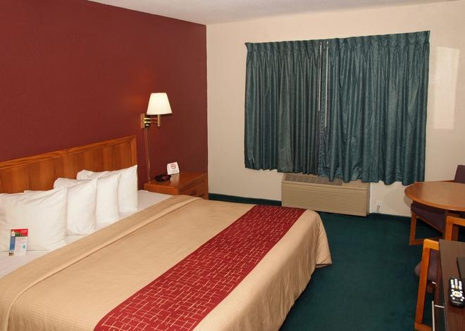 Red Roof Inn Osage Beach - Lake of the Ozarks - Osage Beach - Makuuhuone