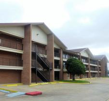 Red Roof Inn & Suites Bossier City
