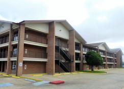 Red Roof Inn & Suites Bossier City - Bossier City - Building