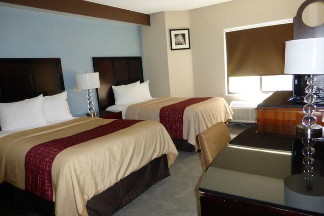Red Roof PLUS+ Bentonville - Bentonville - Bedroom