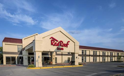 Red Roof Inn Ames - Ames - Rakennus
