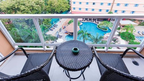 Nova Platinum Hotel - Pattaya - Parveke