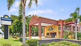 Days Inn by Wyndham Daytona Beach Downtown - Daytona Beach - Κτίριο