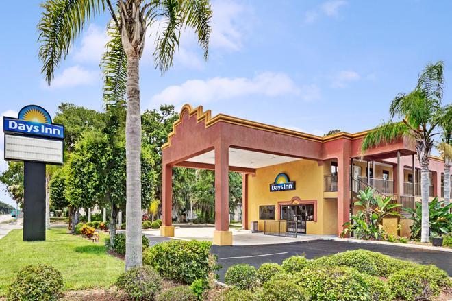 Days Inn by Wyndham Daytona Beach Downtown - Daytona Beach - Building
