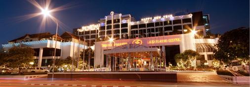 Lao Plaza Hotel - Vientiane - Toà nhà