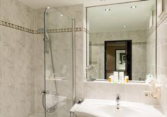 Hotel Europa - Munich - Bathroom