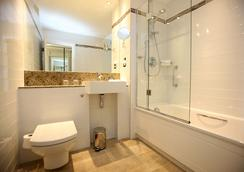 Rydges Kensington Hotel - Lontoo - Kylpyhuone