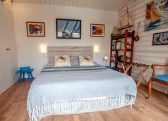 Les Yeux Bleus Bed & Breakfast - Noirmoutier-en-l'Île - Bedroom