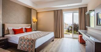 Aria Claros Beach & Spa Resort - Özdere - Habitación