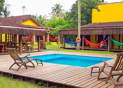 Hostel Da Vila Ilhabela - Ilhabela - Pool