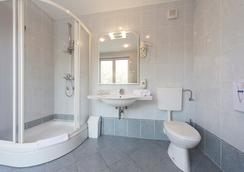 Hotel Ivka - Dubrovnik - Bathroom