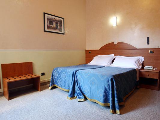 Hotel Baltico - Roma - Habitación