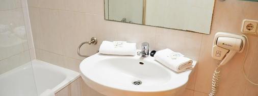 Hotel Playasol Maritimo - Ibiza - Bathroom