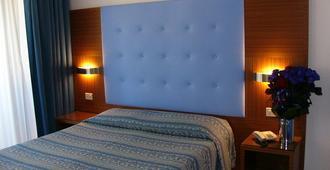 Hotel Serena - Grado - Schlafzimmer