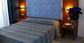 Hotel Serena - Grado - Bedroom
