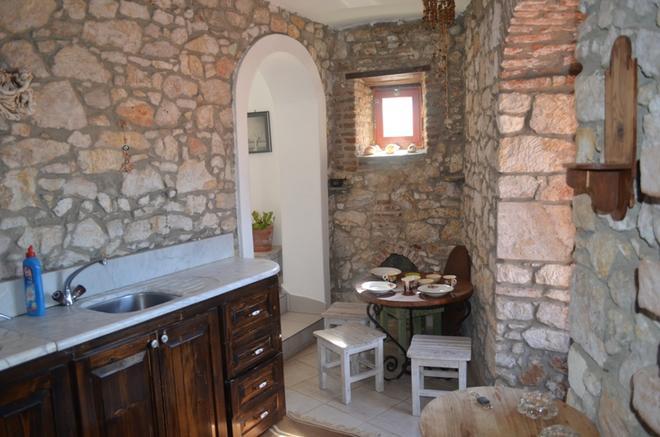 Taksiyarhis Pension - Ayvalık - Dining room