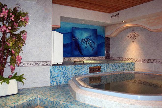 Typically Swiss Hotel Täscherhof - Taesch - Pool