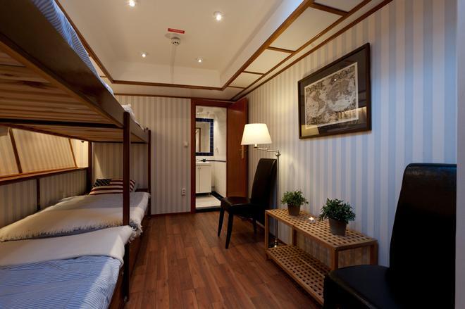 Hotel M/s Monika - Stockholm - Bedroom