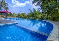 Pepper Green Wayanad Resort - Kartikulam - Pool
