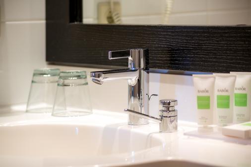 Strandhotel Ostseeblick - Heringsdorf - Phòng tắm