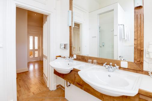 烏瑟敦別墅公寓樓 - 赫陵斯多夫 - 塞巴特黑靈斯多夫 - 浴室