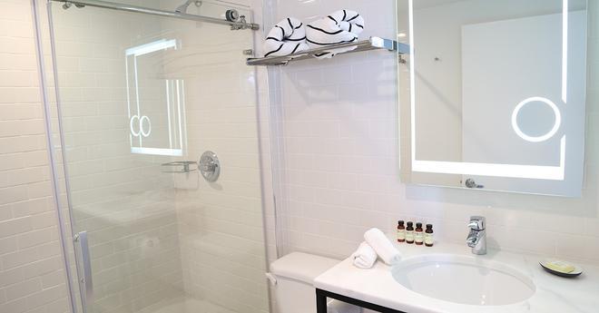 Urbanica The Meridian Hotel - Bãi biển Miami - Phòng tắm