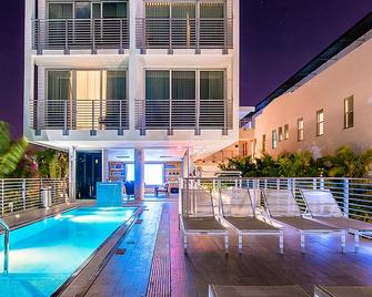 Urbanica The Meridian Hotel - Miami Beach - Pool