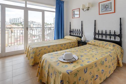 Hotel Don Quijote - Ibiza - Bedroom