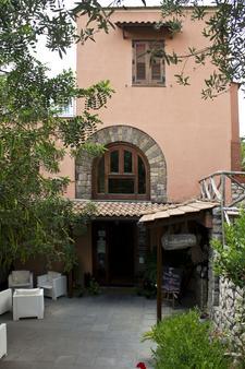 Nonno Luigino - Vico Equense - Gebäude