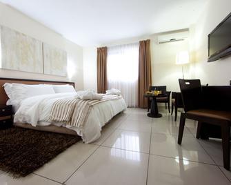 Oak Plaza Hotel, East Airport - Accra - Bedroom