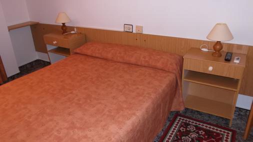 Hotel Arce - San Pedro del Pinatar - Schlafzimmer