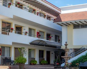 Hotel Continental Uruapan - Уруапан - Building