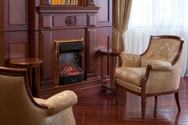 Cosmos Petrozavodsk Hotel - Petrozavodsk - Lounge