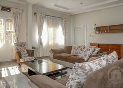 Kalz Guest House - Kinshasa - Living room